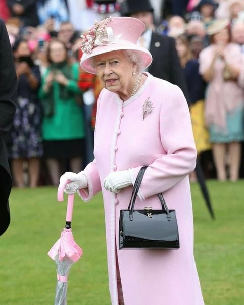 Сегодня Ее Величество Королева Великобритании Елизавета II отмечает свой 94-ый день рождения