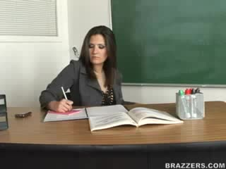 Brazzers: Austin Kincaid, Victoria Valentino (Big Tits At School)