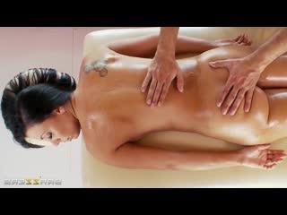 Rachel Starr  Keiran Lee - fuck hot milf on massage