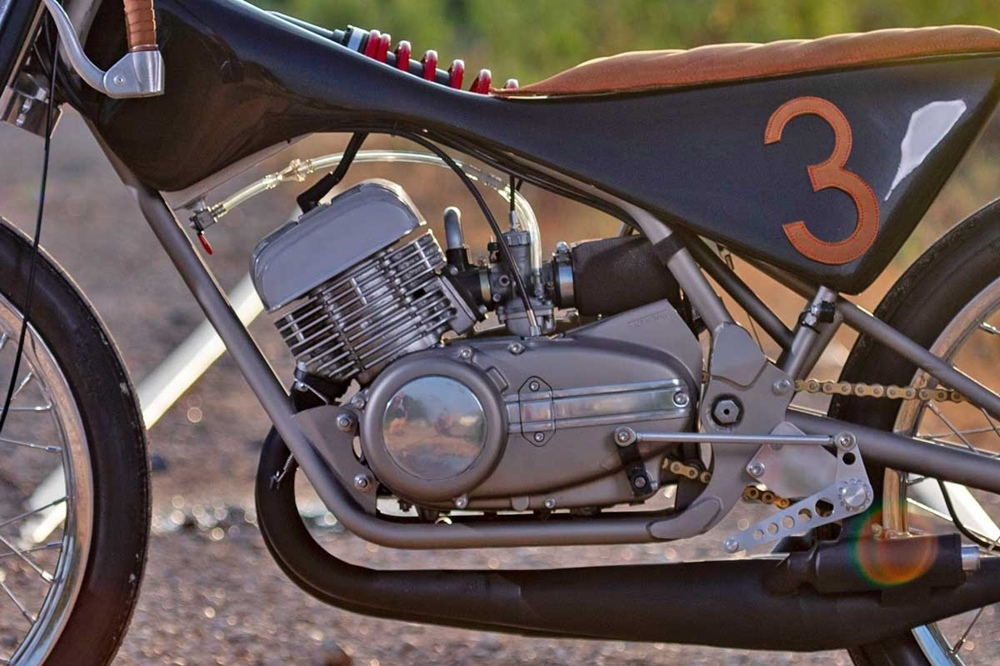 No Joke 2 Stroke: боард-трекер Yamaha RD350