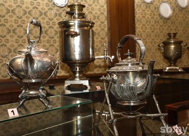 ЧАЙ ПРИШЁЛ В БЕЛАРУСЬ ТОЛЬКО В XIX ВЕКЕ, СМЕНИВ КОФЕ: КАК ЭТО ПРОИЗОШЛО Время пить чай:Без чашки чая невозможно представить себе нашу жизнь: хотя бы раз в день непременно нужно вдохнуть