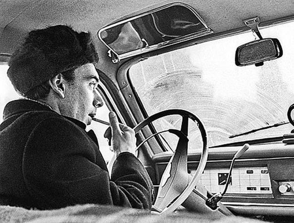 Актер Алексей Баталов на своей машине.  Какой ваш любимый фильм с ним