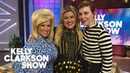 'Long Island Medium' Theresa Caputo Gives Kelly Clarkson Her Stylist An Emotional Psychic Reading