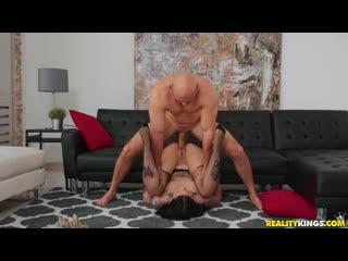 Stella Raee - Stretch And Tease (1080p)