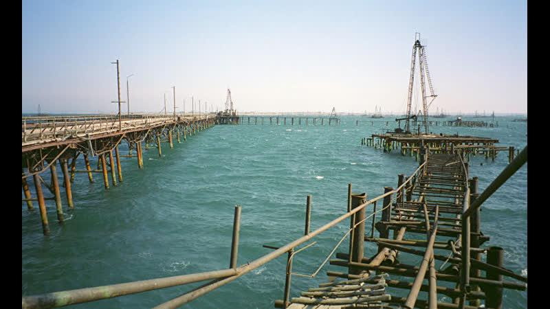 Sohu Китай в самом большом озере мира обнаружены богатые запасы нефти США считают его морем а Россия озером