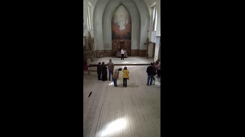 Фрагмент концерта в Лумиваарской церкви для участников группы ПРИЕЗЖАЙТЕ В ЛАХДЕНПОХЬЯ