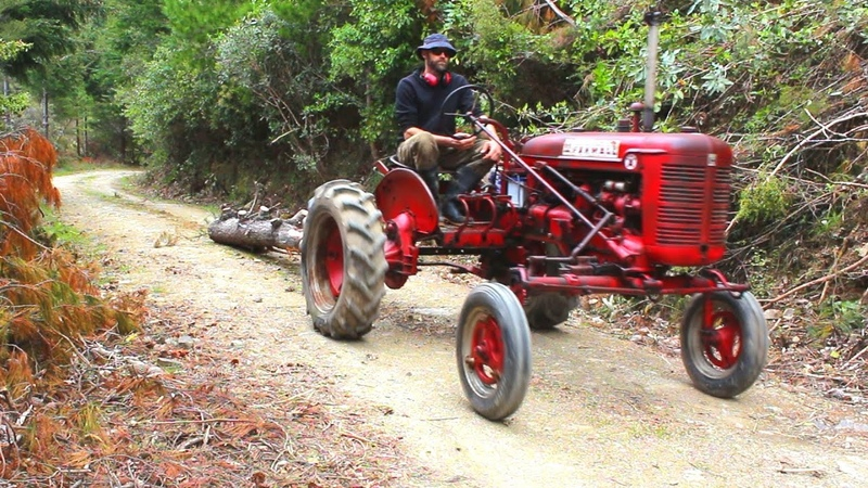 74 year old Farmall tractor gets some long overdue maintenance and goes back to work