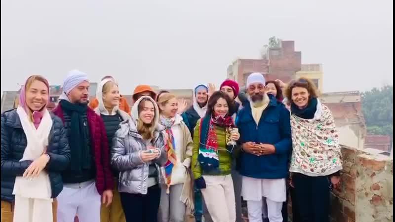 Видео группы с обучающего курса по Наад Йоге с Парвиндером Сингхом 2019 год