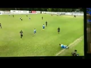 Самый жёсткий подкат в истории футбола