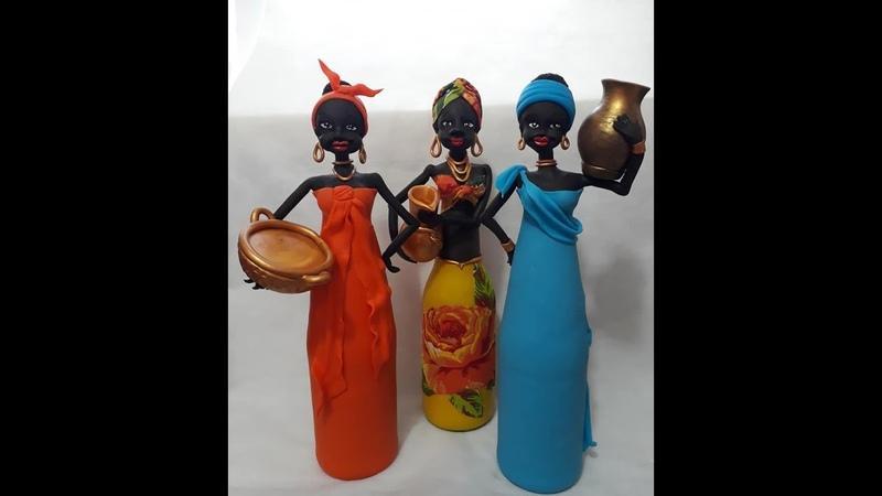 Corpo da Boneca Africana na Garrafa