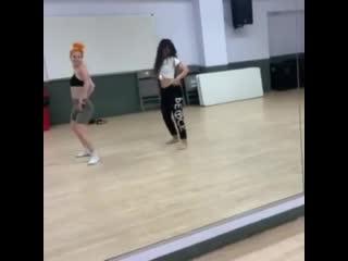 camila dances to major lazer