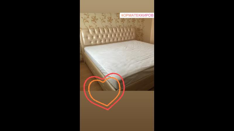 Шикарная мягкая кровать с каретной утяжкой