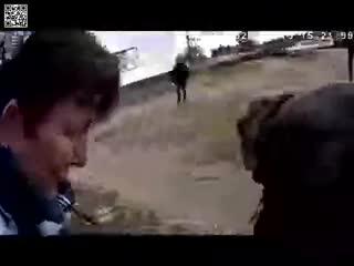 Майор ГАИ Дмитрий Семибратов, проезжал мимо, увидел девочку без признаков жизни и спас.(г.Слуцк, РБ)  -