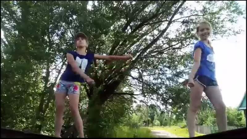 Клип на песню Давай взорвём