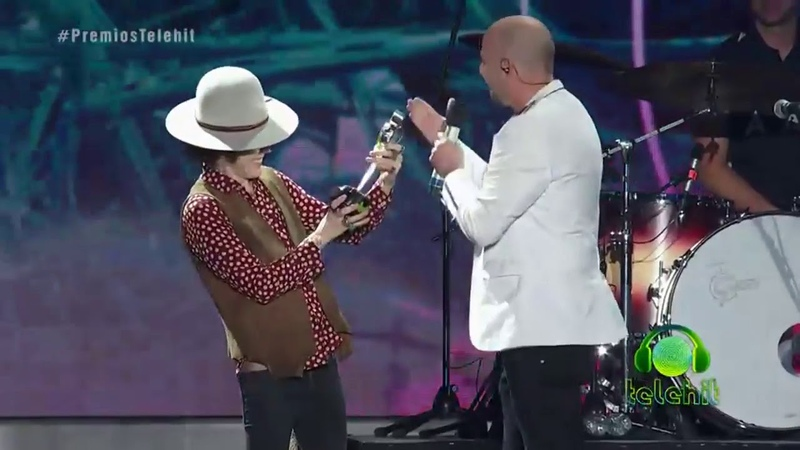 LP accepting her special Telehit Award in Mexico City Premios Telehit Awards 2019