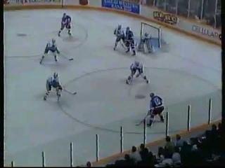 Alex Zhamnov cross ice pass to Teemu Selanne vs Sharks (1993)