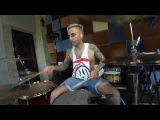 Михаил Козодаев - «Звук - говно, пиво дорогое!» (Голос Омерики recording drums)