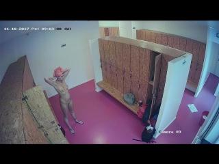 Скрытая камера в женской гримерки цирка чулках стрингах