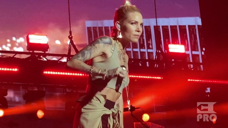 Eminem Skylar Grey Love the Way You Lie Abu Dhabi Du Arena 25 10 2019