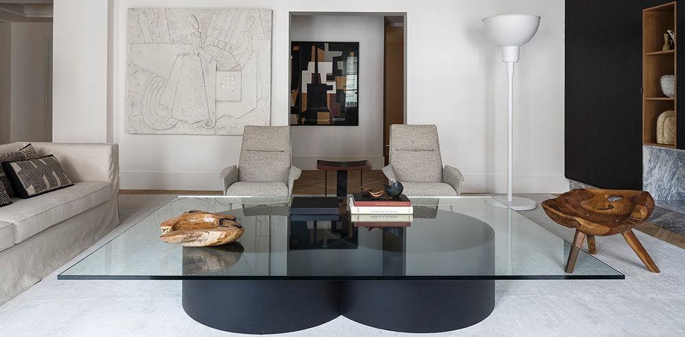 Деревянные балки и чёрная кухня: впечатляющие апартаменты в Париже || 01