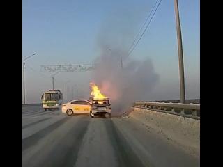 В Томске после ДТП одна из машин загорелась