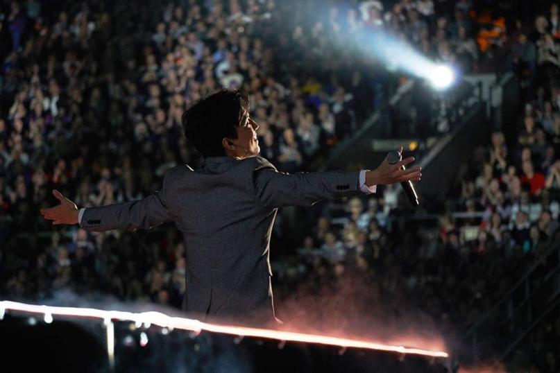 Певец Димаш Кудайбергенов выступил на фестивале «Песня года», изображение №1
