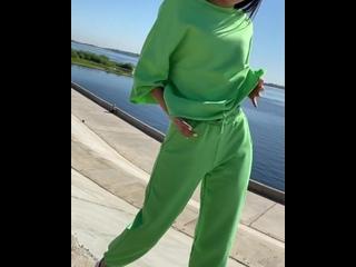😻 Еще такая классная погода на улице☀️Успеваем погулять в прекрасных костюмах от @ trend_vlg 🍃ЦВЕТ: ЗЕЛЕНЫЙ👉🏽Размер OVERSIZE✅