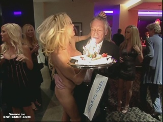 CMNF, CFNF, NiP, OON – голая Памела Андерсон в качестве сюрприза на вечеринке ко дню рождения