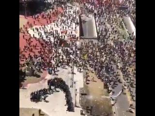 Столица Аргентины Буэнос-Айрес массово протестует против сокращения пенсий объявленно го правительст