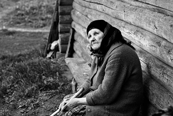 Баба Феня Этот рассказ родился из впечатлений фольклорной практики, которую мы с подругой, окончившие первый курс педагогического института, проходили летом 2006 г. в Бежаницком районе Псковской
