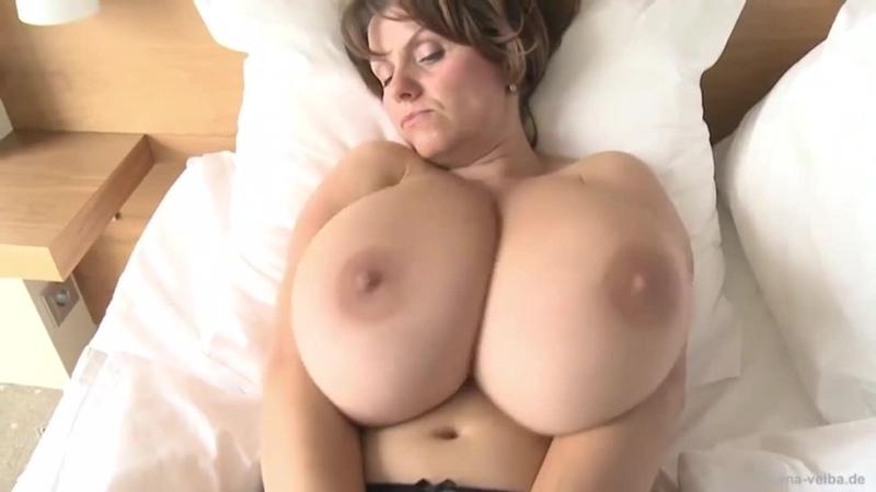 Curvy Brunette Milf Pov