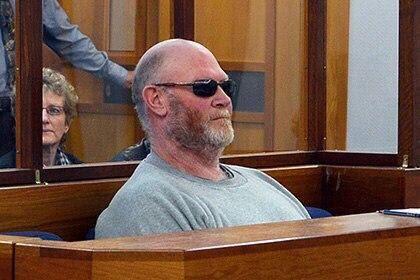 Филип Лайл Хансен - стоматолог от Бога Суд Веллингтона в Новой Зеландии вынес приговор 56-летнему Филипу Лайлу Хансену, который признан виновным в изощренных издевательствах над сексуальными