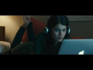 Вирус (2016), отрывок из фильма, самолётик