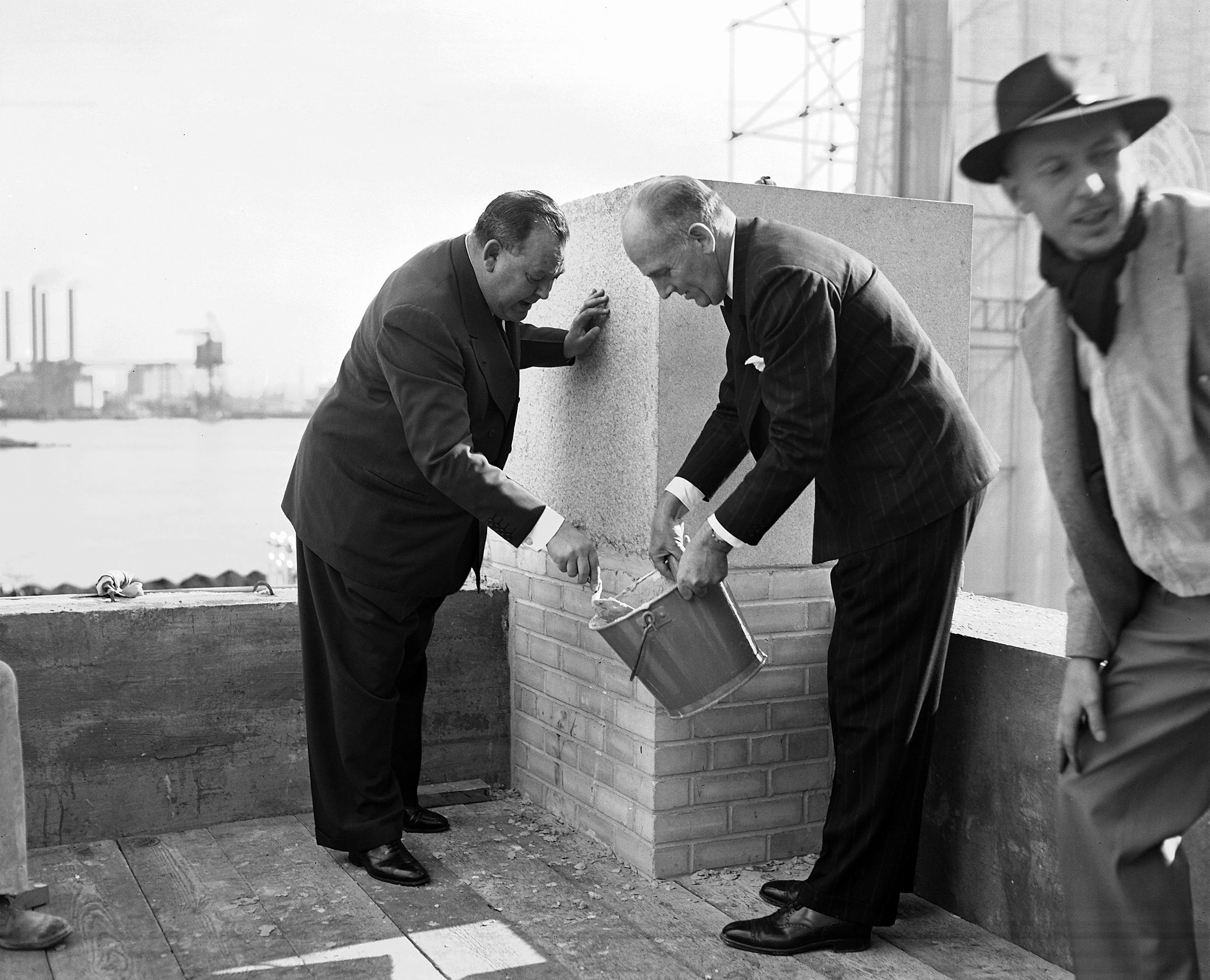 24 октября 1949 года, в четвертую годовщину Организации Объединенных Наций состоялась официальная церемония закладки первого