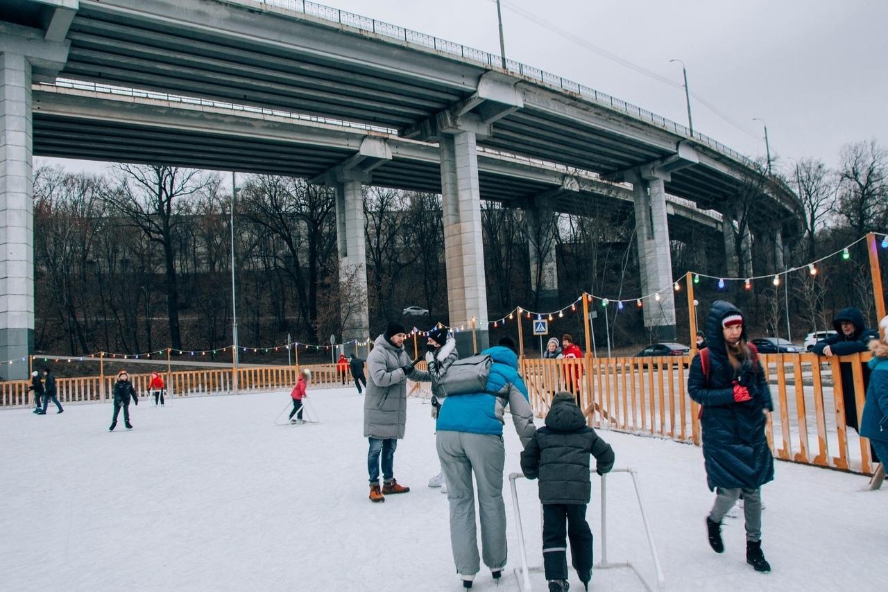 Бесплатные уроки катания на льду!