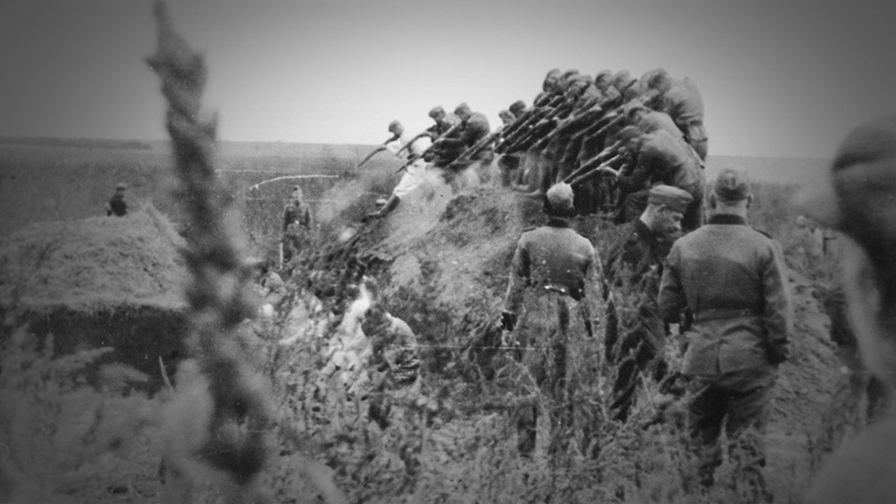 14.09.1941. «Айнзатцкоманда», входящая в «айнзатцгруппу Д» (Einsatzgruppe D) нем...