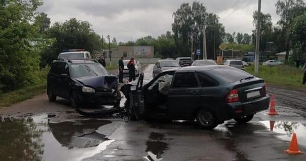 В Старой Майне лоб в лоб столкнулись две «Лады», пострадали трое. Фото  http://rupor73.ru/lenta-nov