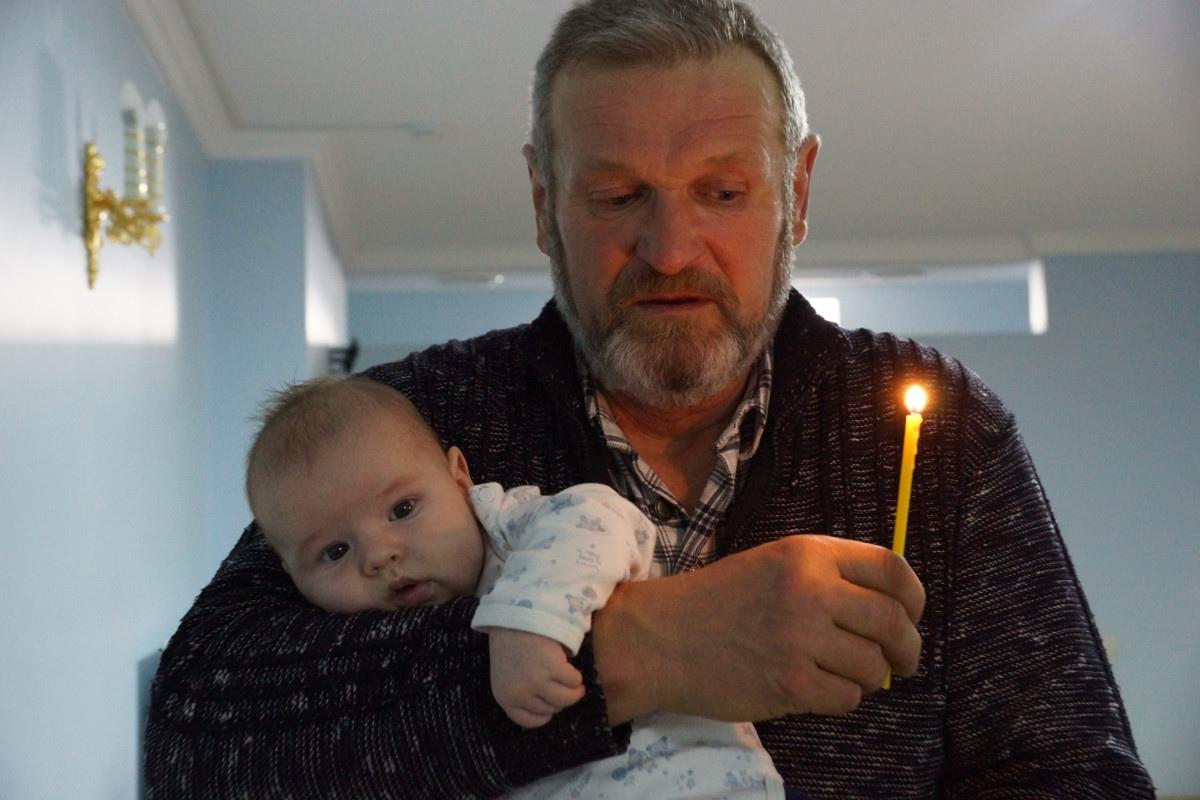 Крещение трех новых обитателей кризисного центра 28