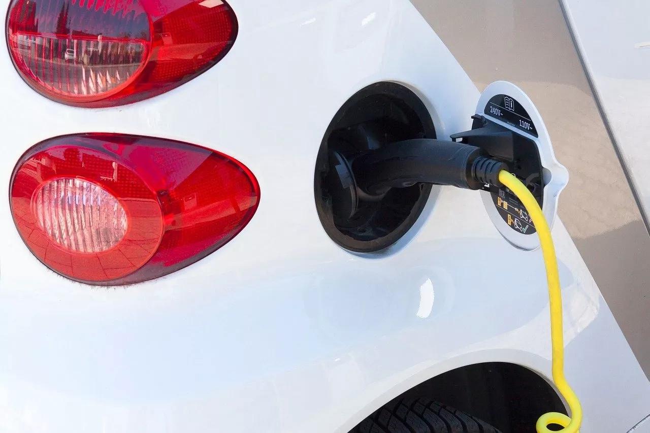 Первую тысячу белорусских электромобилей ожидают к концу года