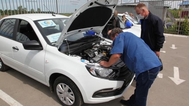 Жители Марий Эл получили машины от ФСС