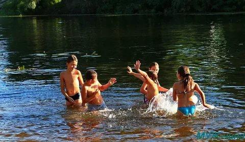 Соблюдайте правила поведения у воды!