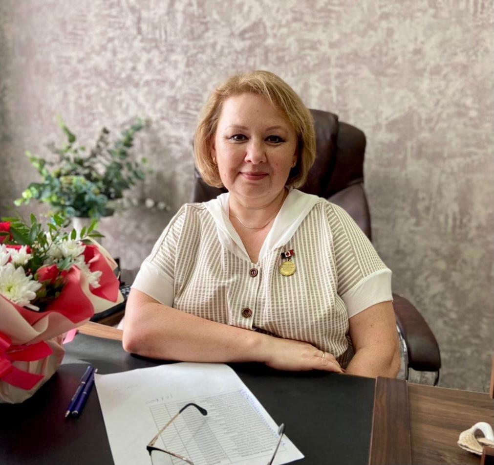 Почетное звание присвоили директору Можгинского филиала Республиканского