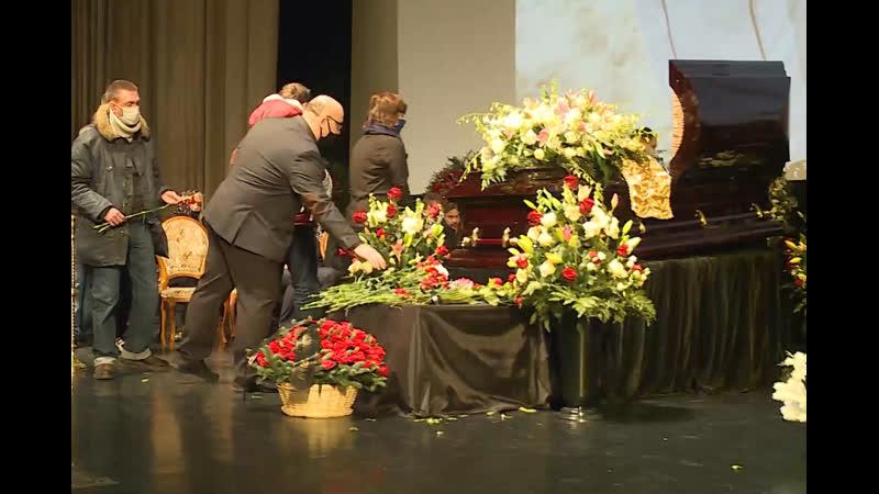 В Москве проходит церемония прощания с художественным руководителем Ералаша Борисом Грачевским в открытом формате в Доме кино