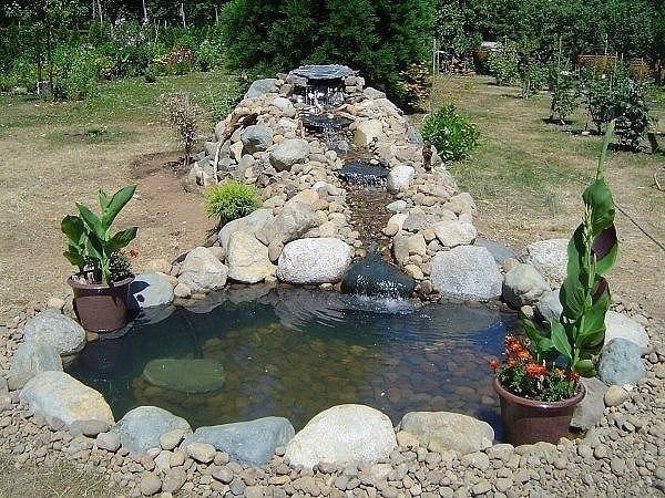 Как сделать прудик с водопадом (источник: gofazenda)